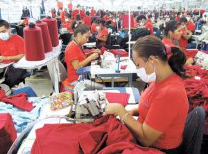 Los proveedores de México denuncian que ya perdieron muchos operarios y dinero