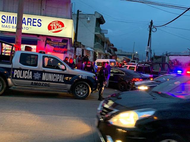 Se roban camioneta, chocan y los detienen en Chachapa