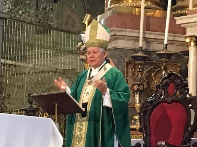 Pide Arzobispo de Puebla unirse en oración para pedir por la salud de todos los enfermos