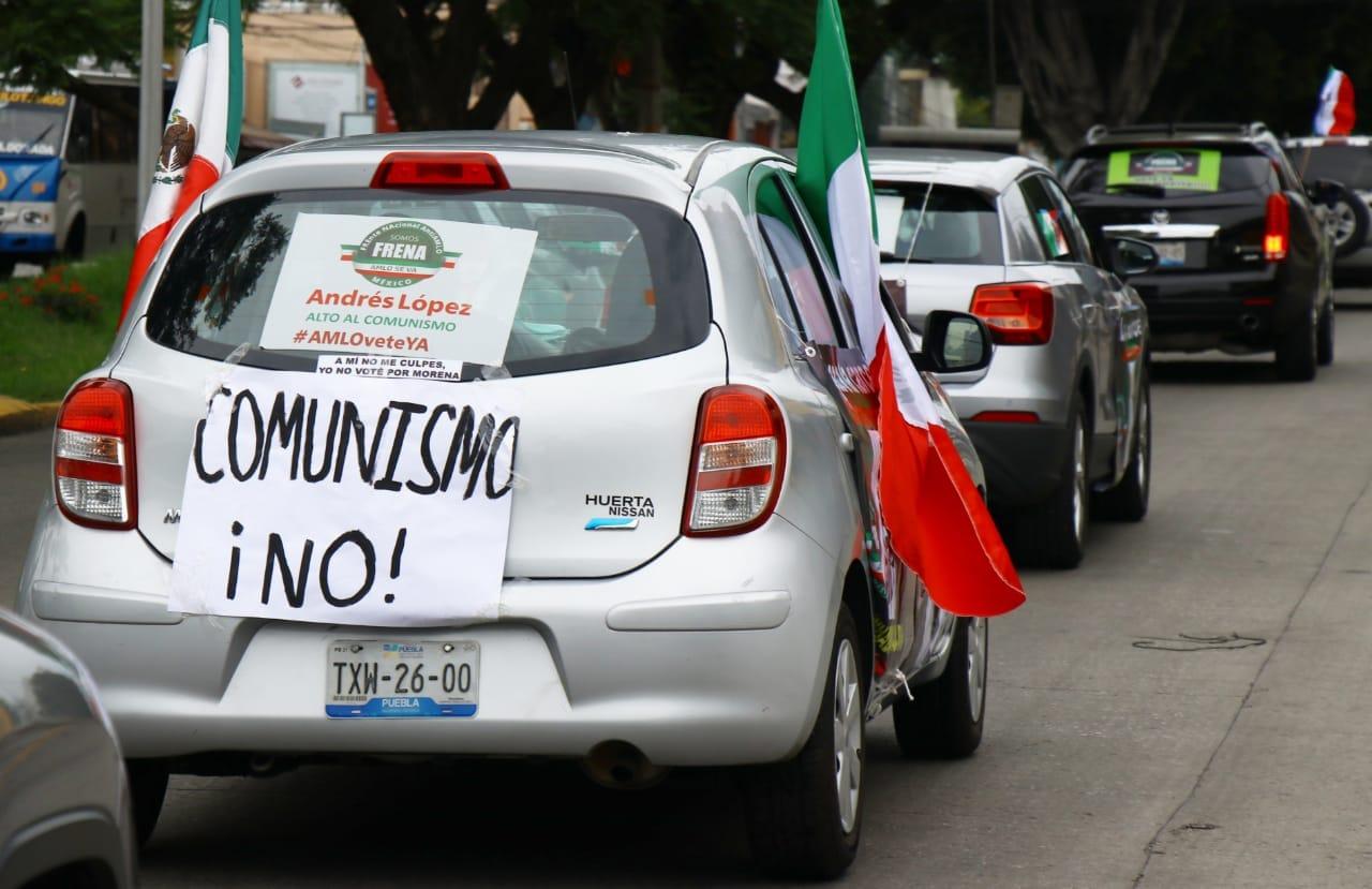 Fotonota: Nueva y desangelada marcha antiamlo en Puebla