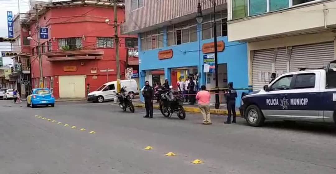 Muere paciente dentro de Farmacias Similares de Huauchinango
