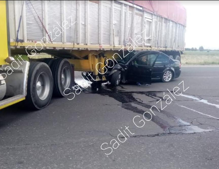 Se registra aparatoso accidente sobre la federal a Tehuacán a la altura de la entrada de Nenetzintla