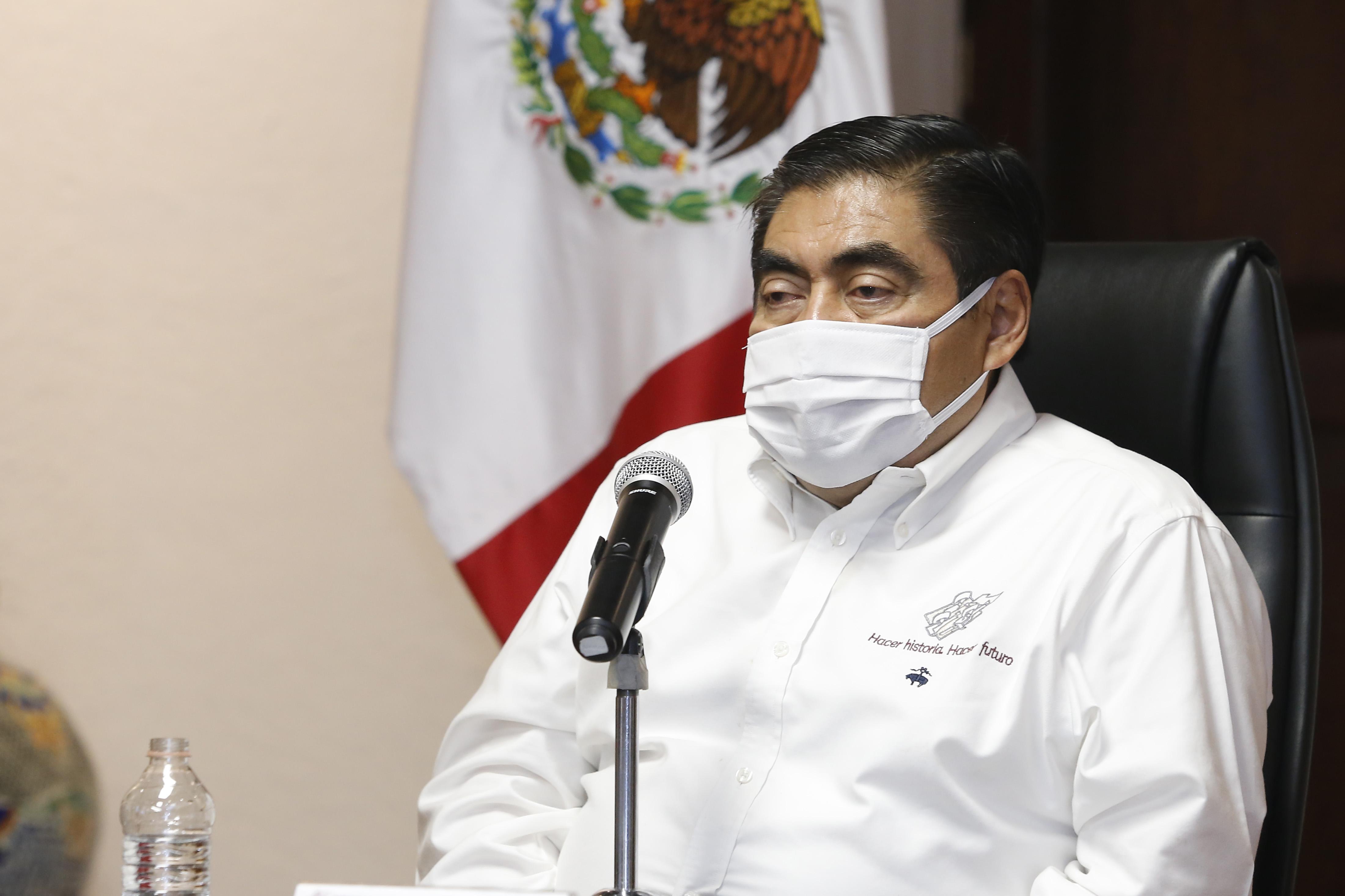 """""""Las y los poblanos están actuando de manera responsable ante el Covid-19"""": Miguel Barbosa Huerta."""