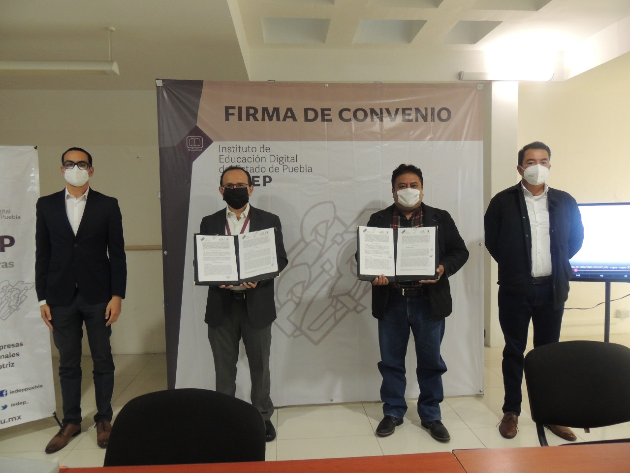 Firma IEDEP convenio para llevar educación superior a Xochitlán de Vicente Suárez