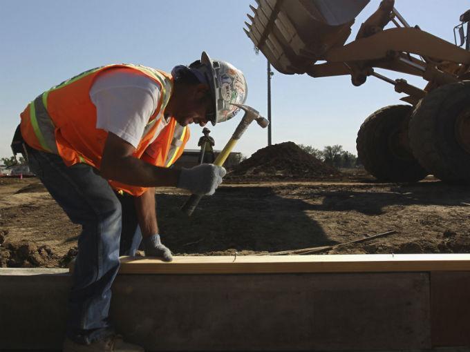 El valor de la producción generado por las empresas constructoras descendió (-)5.2% en términos reales