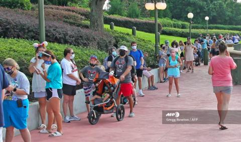 Disney reabre su puertas en Orlando pese a aumento de covid en Florida