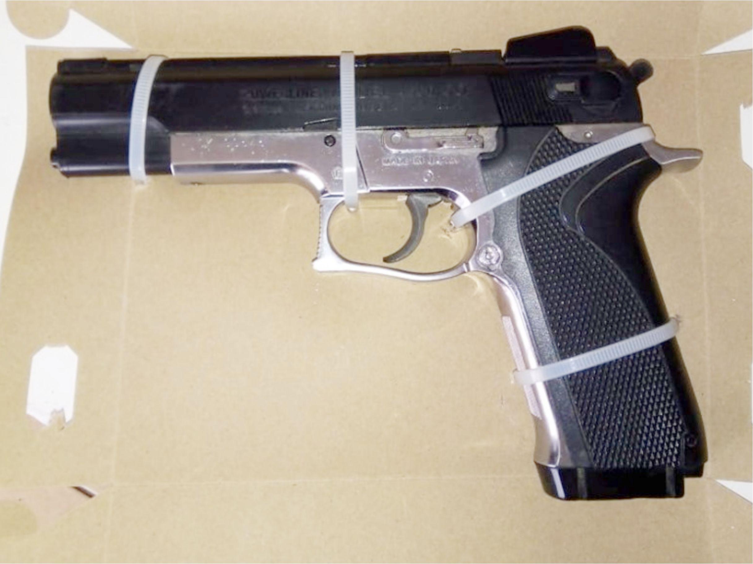 Desde Tlaxcala: SSC asegura a dos personas y una réplica de arma de fuego en Totolac
