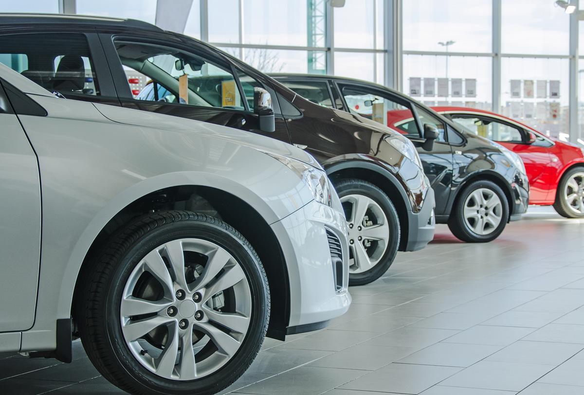 Avance de las ventas al público en el mercado interno según los registros administrativos de la industria automotriz de vehículos ligeros