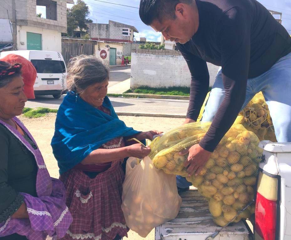 Bodega Dany de la Central de Abastos regala más de 50 toneladas de papa a quien menos tiene