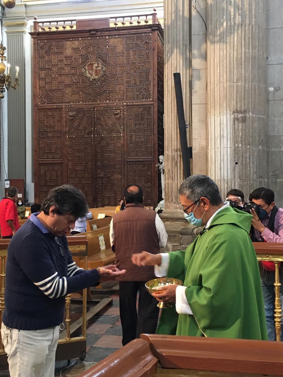Pide obispo auxiliar de Puebla tener fe en la palabra de Dios