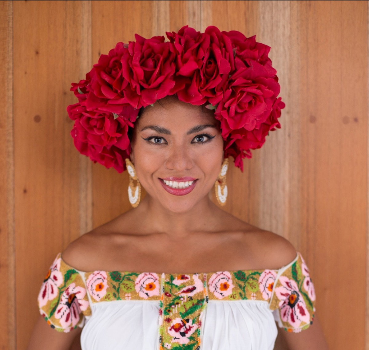 "Alejandra Robles ""La Morena"" promueve su disco ""Tropicalisima"""