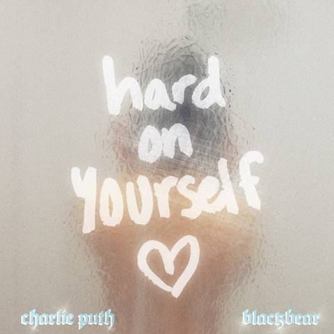 "Charlie Puth y Blackbear unieron talentos en el sencillo ""Hard On Yourself"""