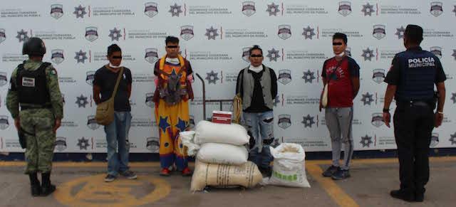 En acción conjunta, detuvieron Guardia Nacional y Policía Municipal de Puebla a cuatro hombres por robo a tren de carga