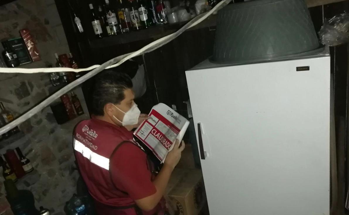 Normatividad clausuró bares, botanero, misceláneas y pulquería por consumo y venta de alcohol