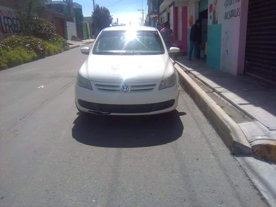Poniendo el ejemplo…Personal del ayuntamiento de Amozoc fueron captados dentro del municipio circulando sin placas