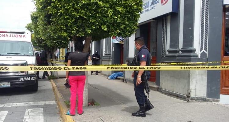 Muere niño en la puerta de consultorio Simi en Tehuacán; esperaba atención médica