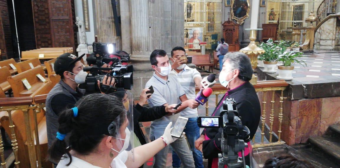 En municipios con alto nivel de contagios, se recomienda analizar la conveniencia de abrir o no las iglesias, señaló el rector de catedral