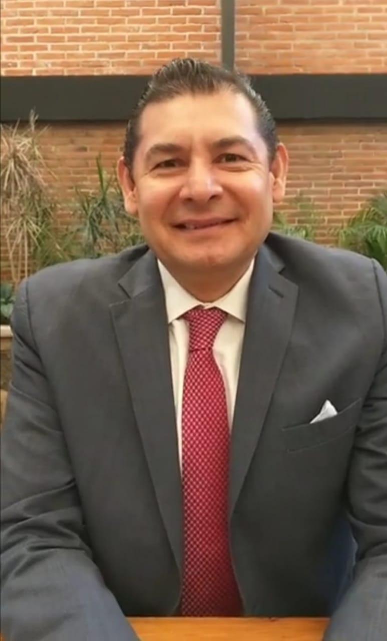 Video desde Puebla: En el paquete fiscal del 2021 el Senado destinará recursos para comprar vacunas contra el Covid19, subrayó Alejandro Armenta Mier
