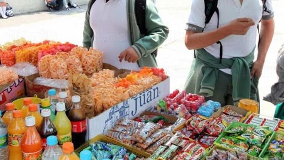 Comerciantes oaxaqueños levantan la voz con 36 mil firmas para solicitar no entre en vigor la ley que prohíbe la venta de alimentos y bebidas a menores de edad