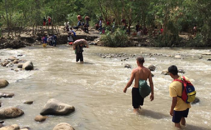 La violencia armada se agudiza y genera desplazamientos masivos en la frontera entre Colombia y Venezuela