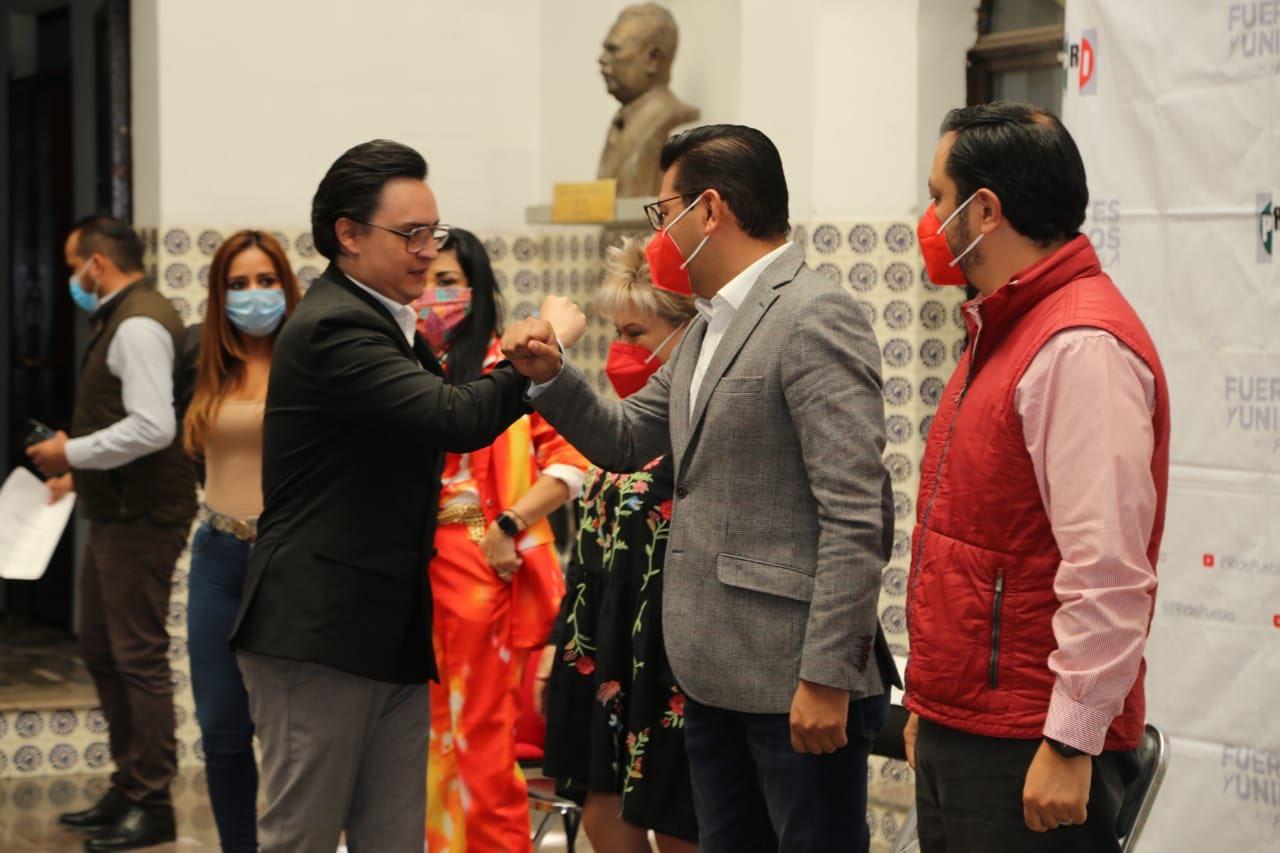 Relevan a Carreto Pacheco como líder del PRI municipal capitalino
