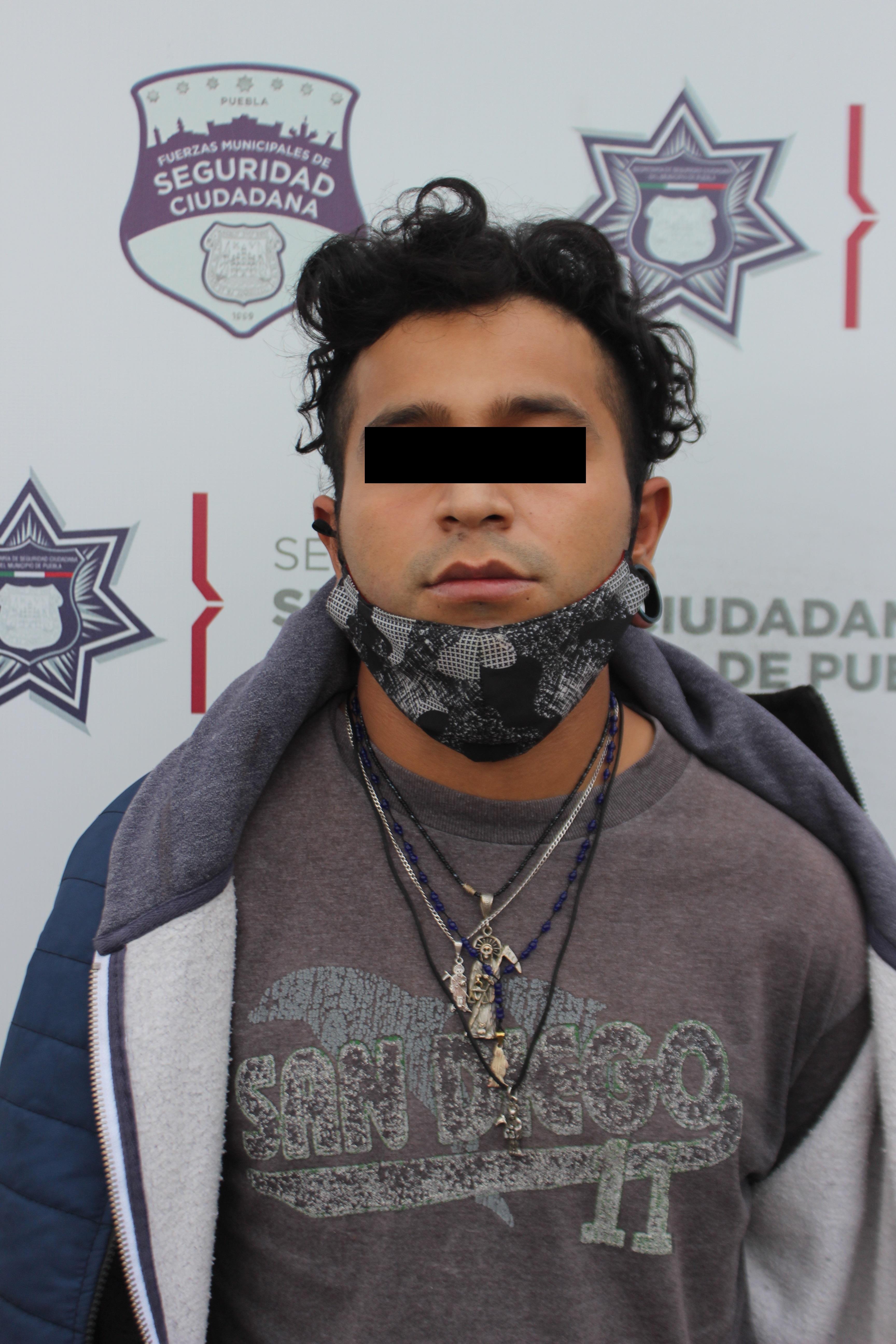 Detuvo Unidad Canina de la Policía Municipal de Puebla a hombre por portación ilegal de arma de fuego