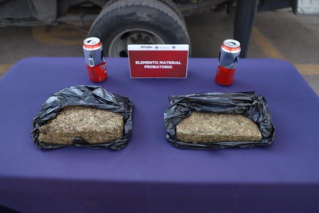 Aseguró policía municipal de Puebla cerca de dos kilogramos de posible marihuana; dos hombres fueron detenidos