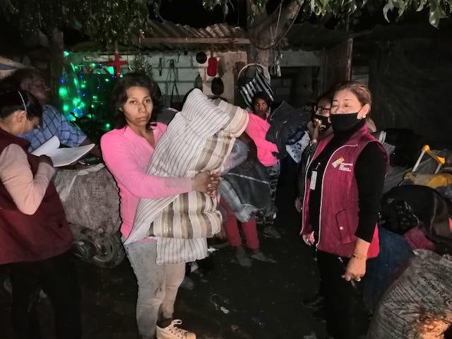 Atiende SEDIF a familias de San Martín Alchichica damnificadas por lluvias