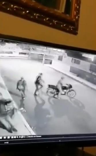 Video desde Puebla: Cámaras captan atraco en la Santísima