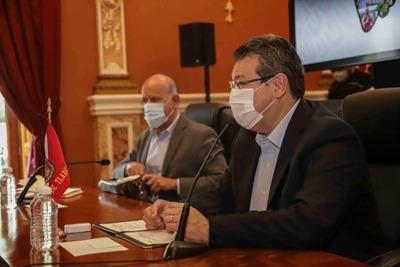 Desde Tlaxcala: Marco Antonio Mena y el director del INSABI Juan Antonio Ferrer presentaron el Modelo Nacional para la Eliminación de la Hepatitis C en el Primer Nivel de Atención