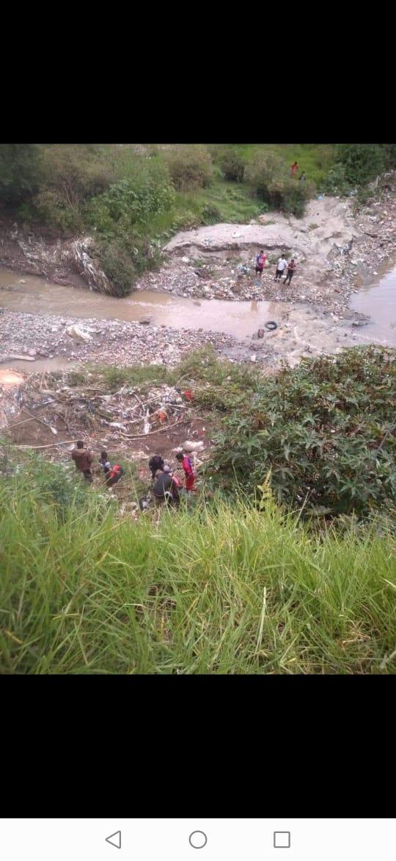 Por falta de ambulancia, ayuntamiento de Amozoc niega apoyo a hombre caído en una barranca
