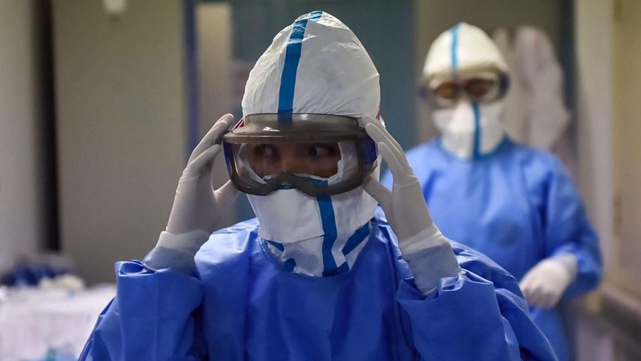 Uno de cada 7 enfermos de Covid19 es trabajador del sector Salud: OMS
