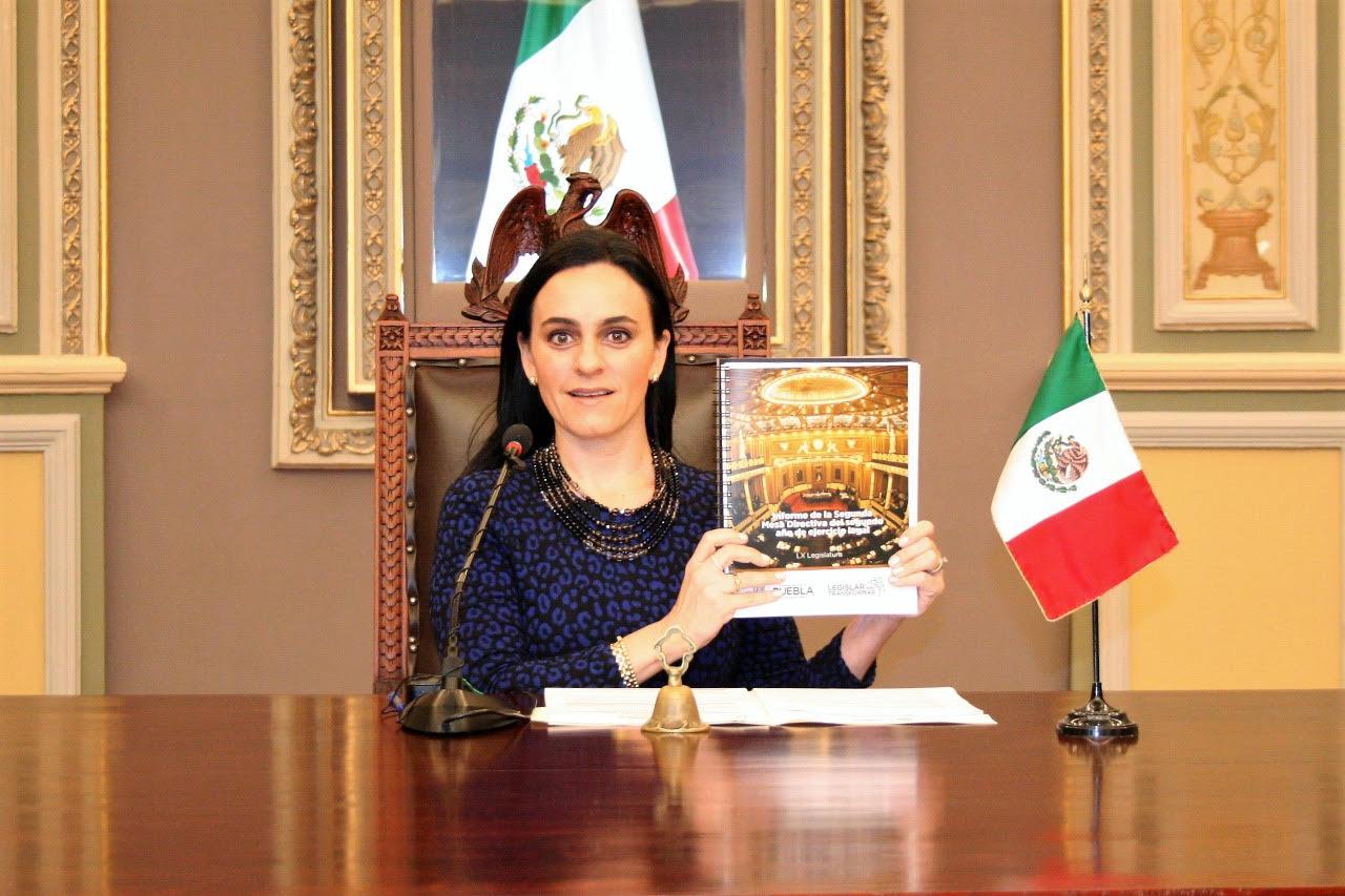 Presenta Mónica Rodríguez su informe al frente de la Mesa Directiva del congreso