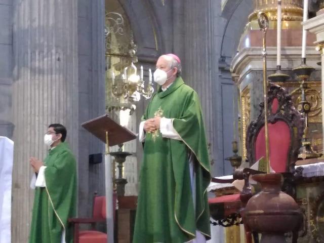 Arzobispo de Puebla hace un llamado a los feligreses a orar