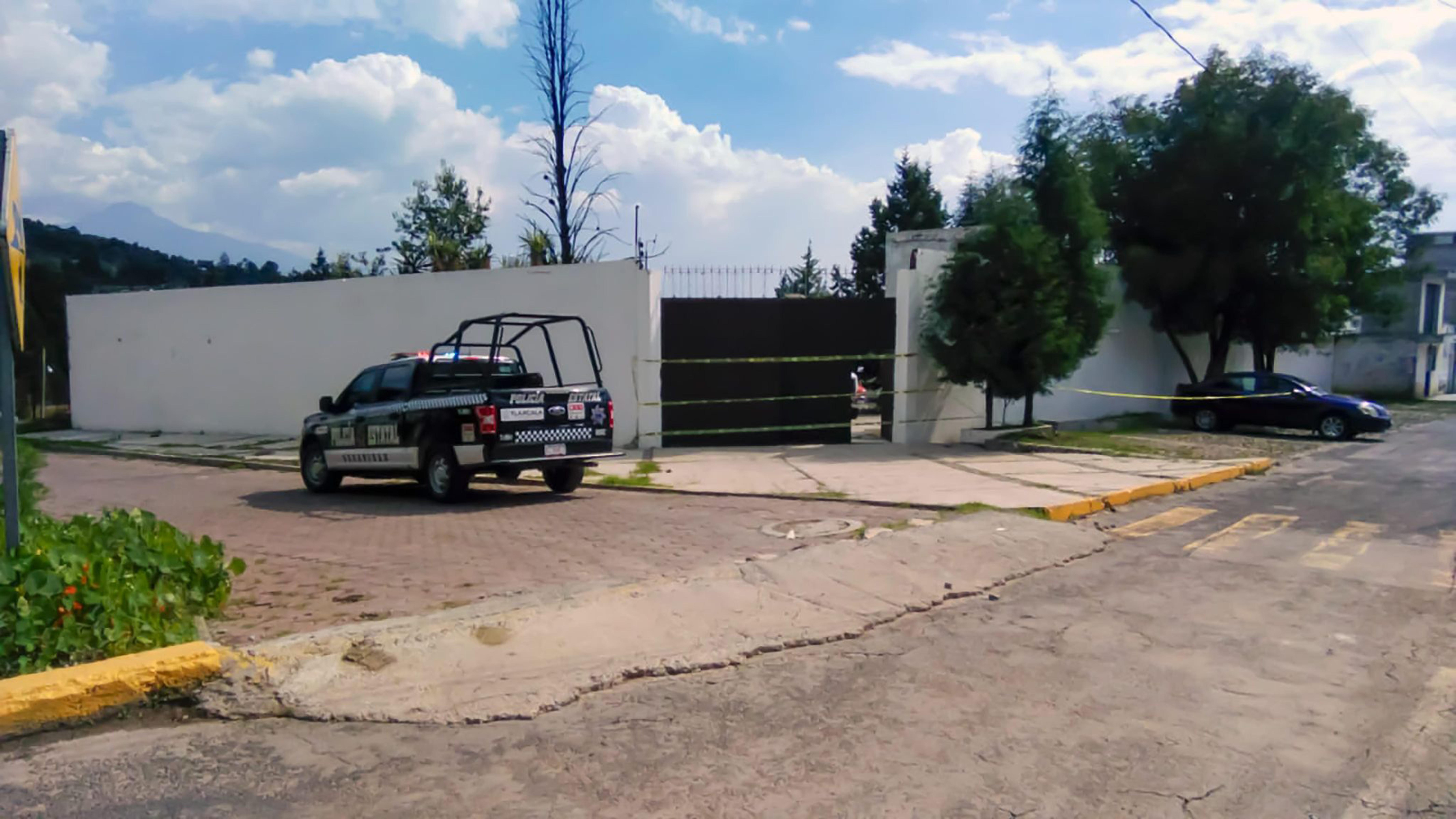 La SSC asegura en Apizaco un inmueble con vehículos robados