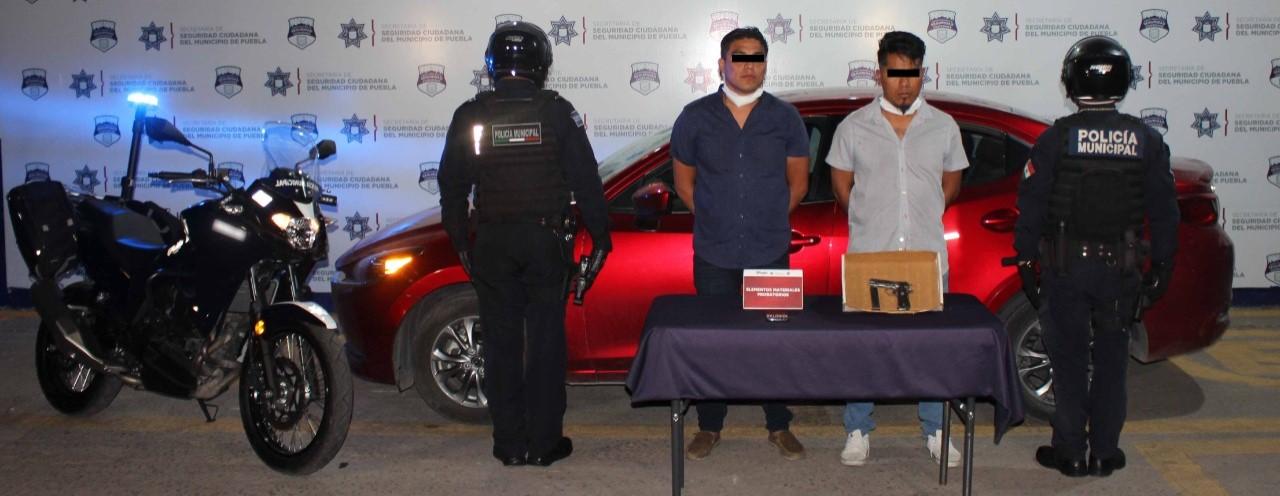 Robaron una gasolinera en Cuautlancingo, pero los atraparon policías de Puebla capital