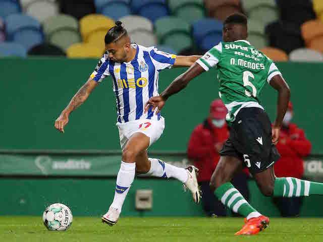 'Tecatito' se luce en el empate del Porto