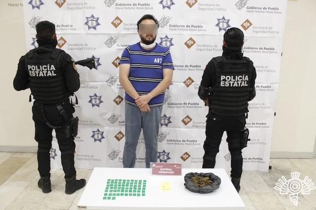 Detiene Policía Estatal a presunto huachicolero en Chignahuapan