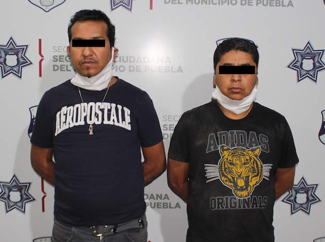 Detuvo policía municipal de Puebla a dos hombres por robo en agravio de una academia de baile