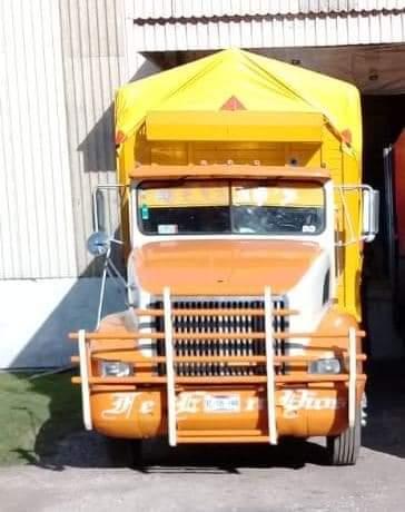 Servicio social: Solicitamos su apoyo para localizar el camión con placas XC5133A