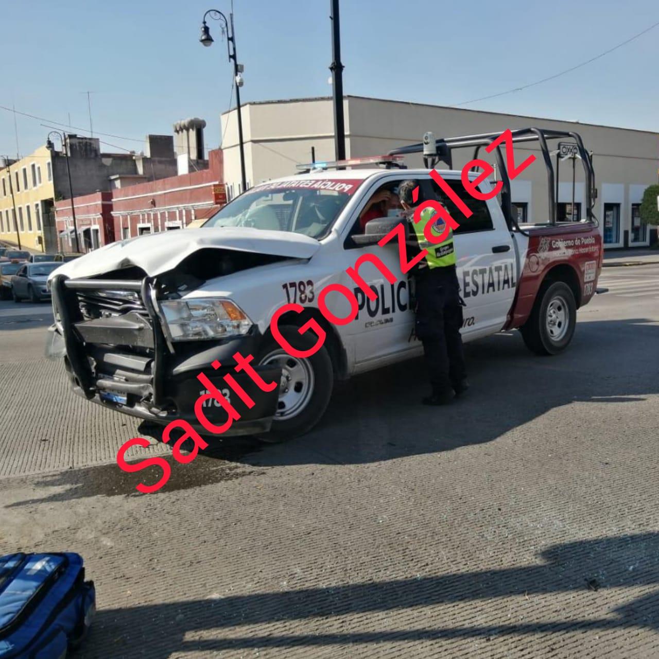 En dos hechos distintos patrullas estatales protagonizan choque vehicular, las dos en el Boulevard 5 de Mayo