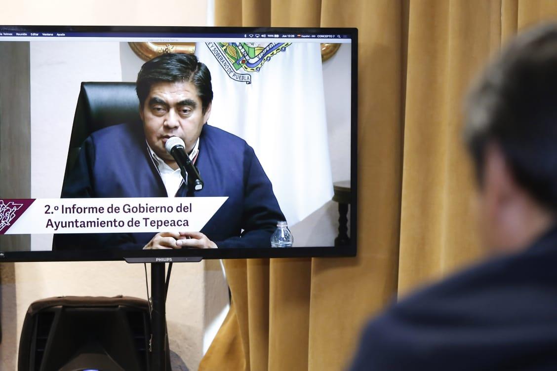 La crítica mordaz no debe detener a los gobernantes, subrayó el gobernador Barbosa