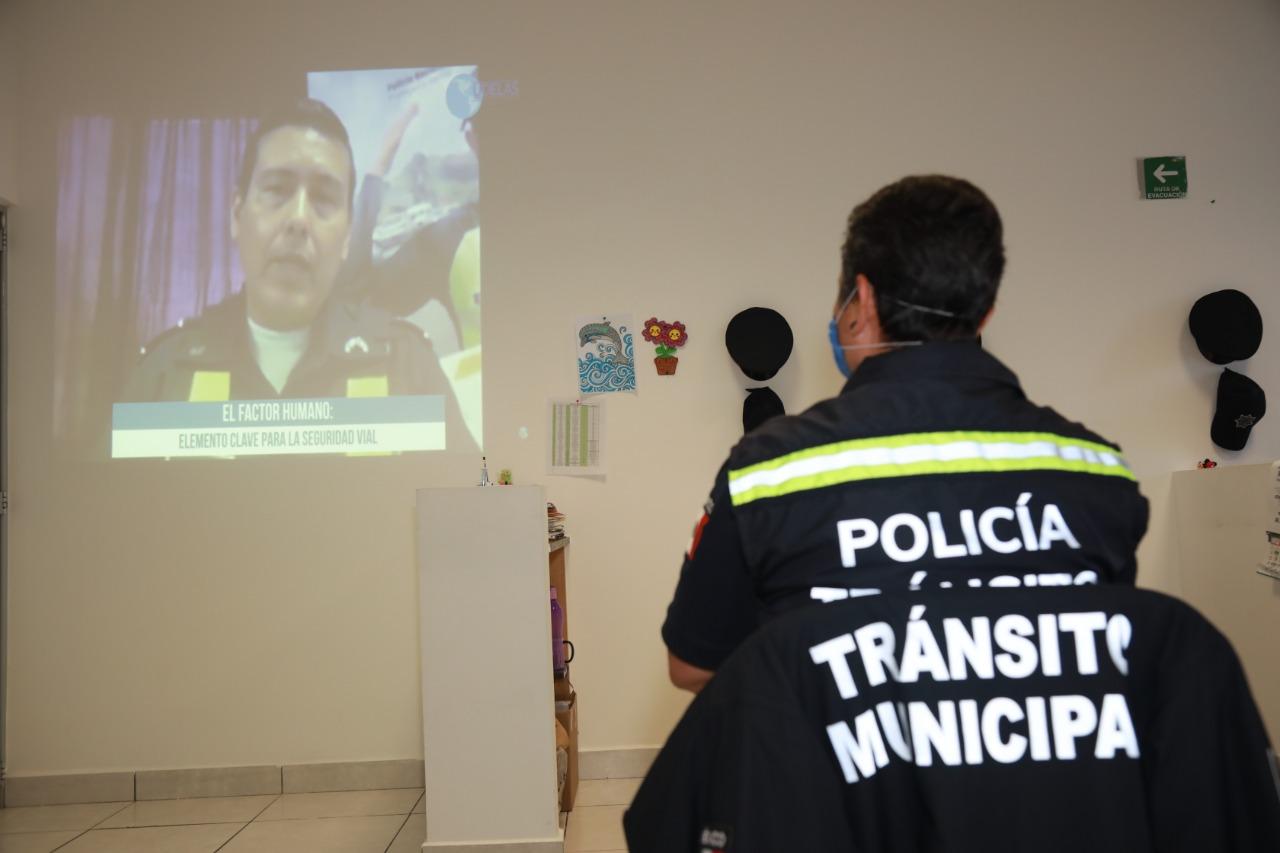 Elementos viales de San Andrés Cholula participan en Simposio Académico de Seguridad y Educación
