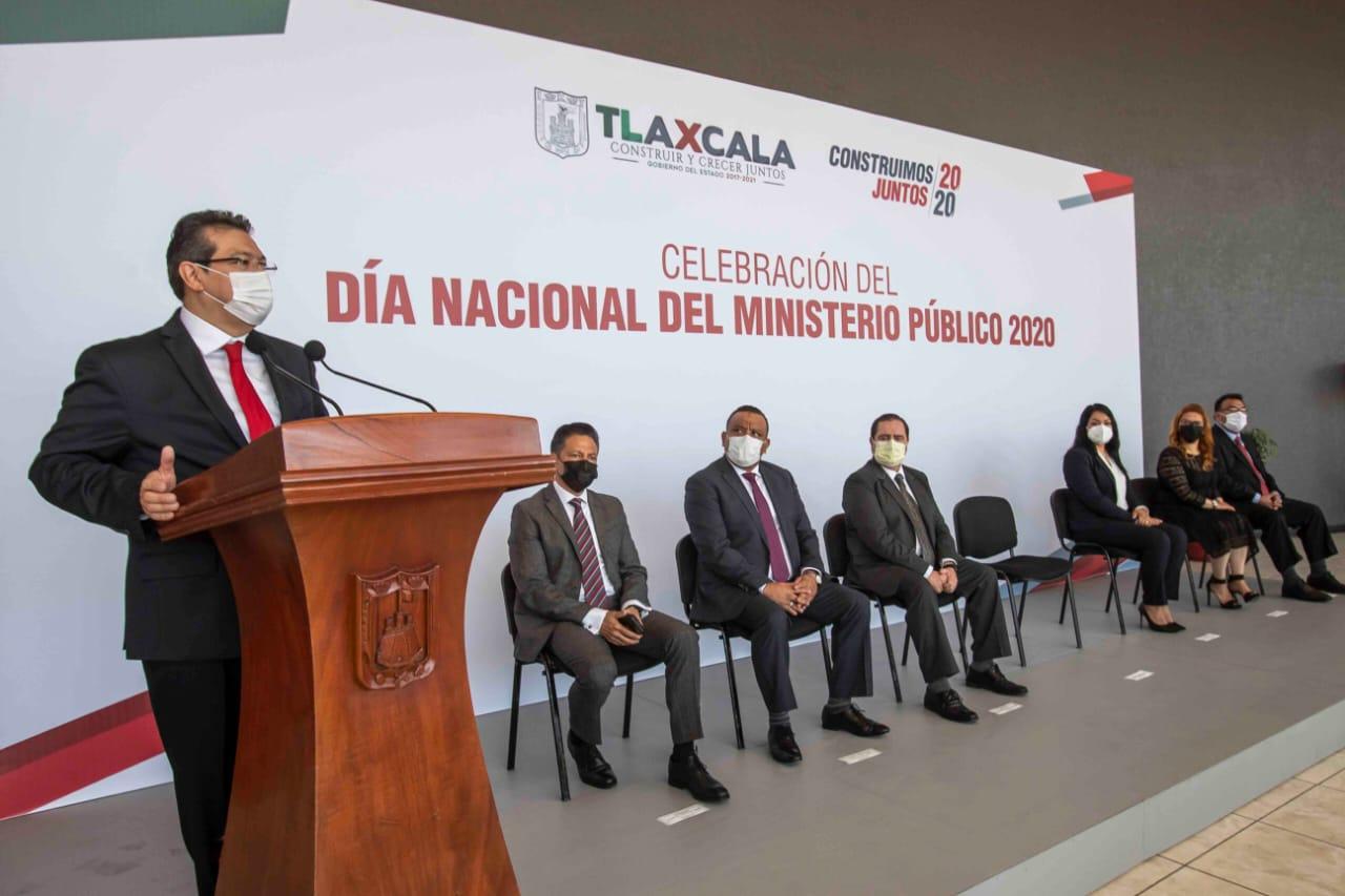 Desde Tlaxcala: Marco Mena reconoce a agentes del Ministerio Público