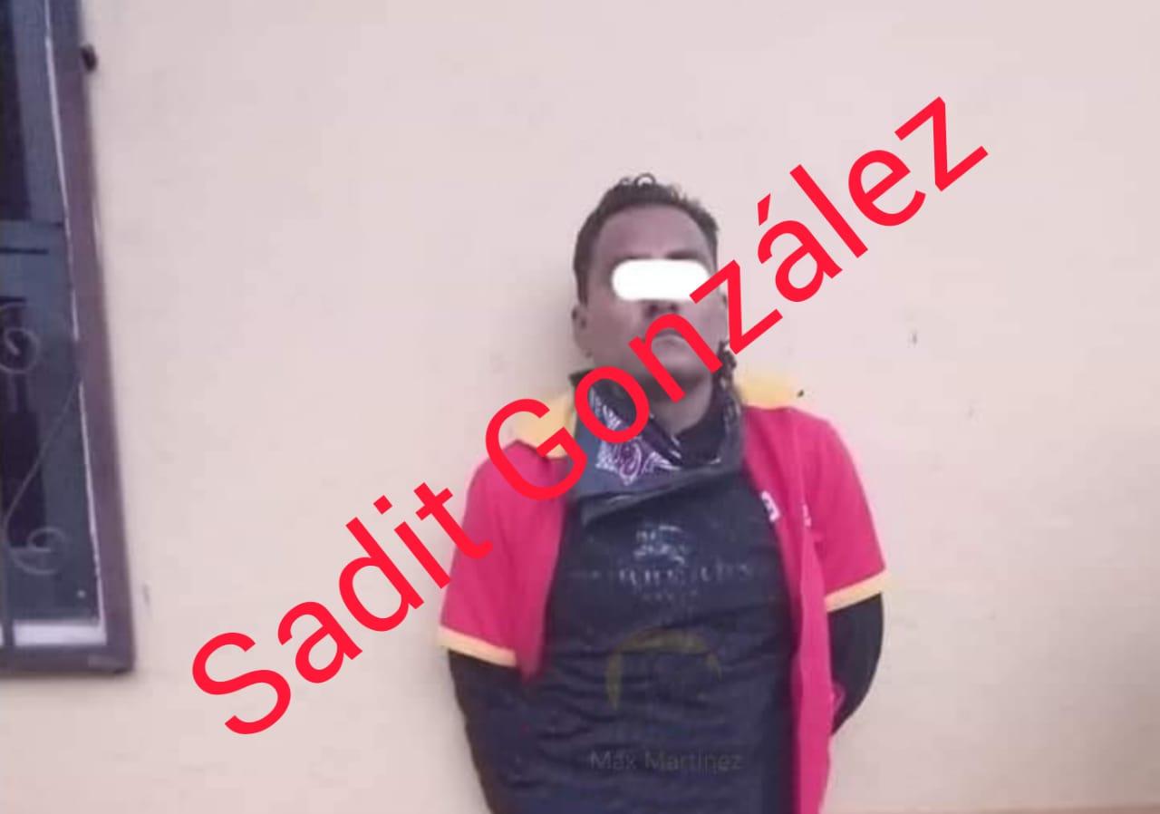 Video Desde Puebla: Policías estatales y Guardia Nacional liberan a rehenes en el Oxxo de El Seco