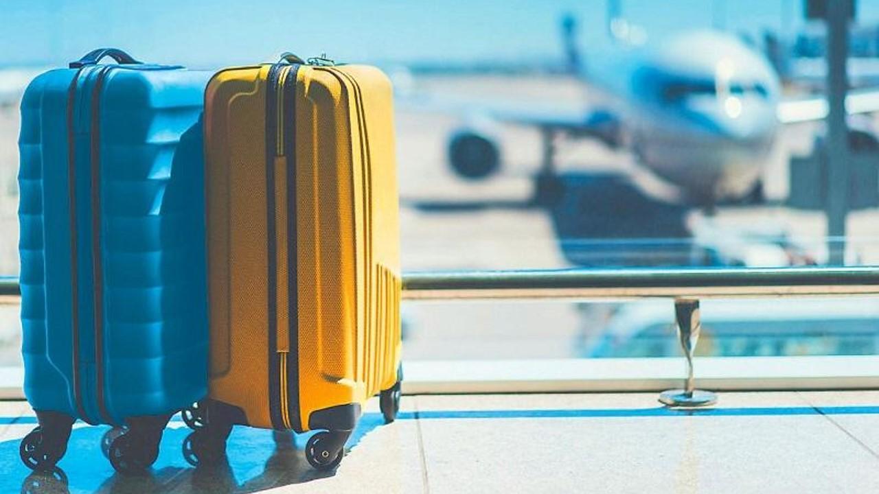 La OPS recomienda evitar los viajes en avión por vacaciones durante la pandemia de COVID-19
