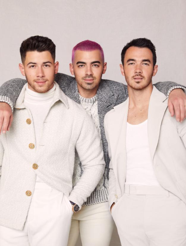 "Jonas Brothers lanzó ""I Need You Christmas"", su nueva canción navideña"