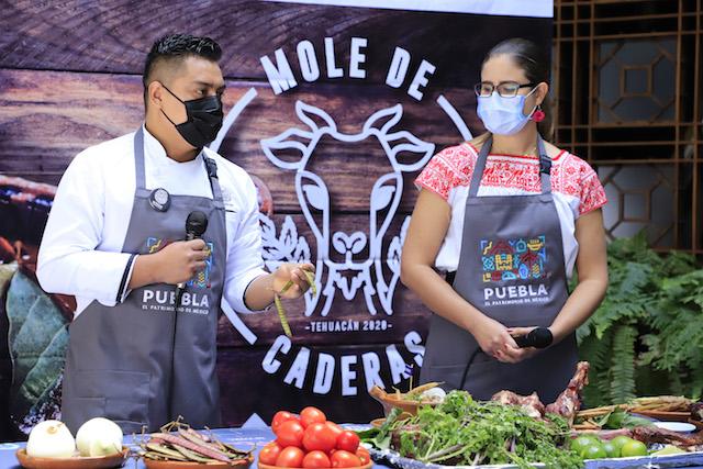 Embajadores del Mole de Caderas, reconocidos cocineros de México