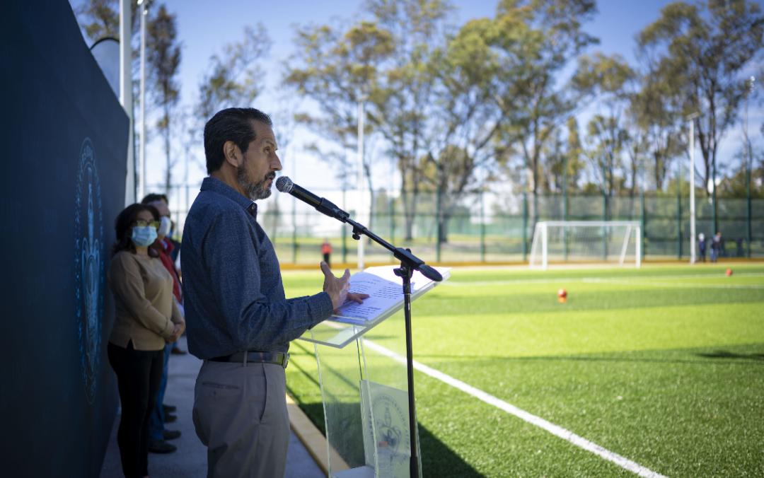 Inaugura Rector Alfonso Esparza cancha de fútbol 7 del Complejo Deportivo Universitario y de Alto Rendimiento de la BUAP