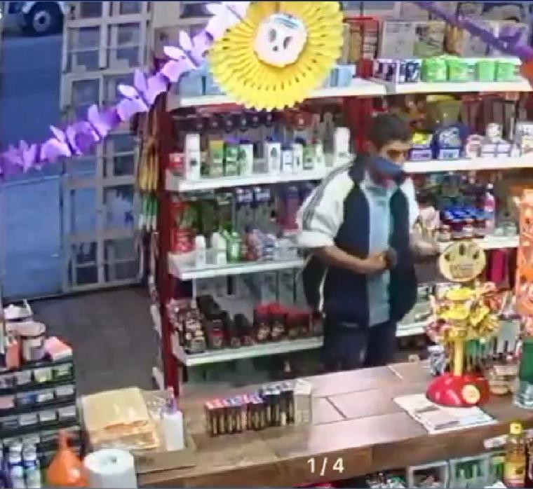 Captan a ladrón robando artículos de una tienda en Amozoc